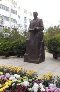statue-of-dr-dugald-christie_web